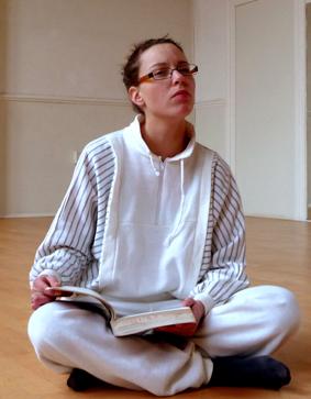 Yogadocente Lydwina Meerman  _ sinds 1990 Yogalessen in Amsterdam en Amstelveen _ Yogaboek YOGA Beginnen en doorgaan_ 2