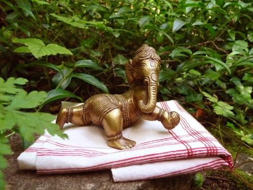 Yogaweekend met Lydwina Meerman in het Zonnehuis in Friesland_1-3 juni 2012_ Bronzen beeldje van Ganesha