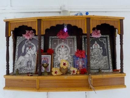 Shri Kali Ashram in Galgibaga in het zuiden van Goa India 2012 _  Shiva Shakti_ Ganesha _ Lakshmi