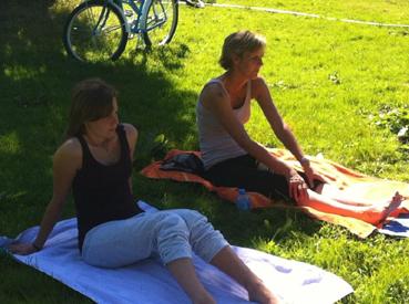 Yoga in het Amsterdamse Bos _ met Lydwina Meerman _ 9 september 2012 _03