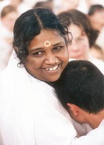 Amritanandamayadevi hugging