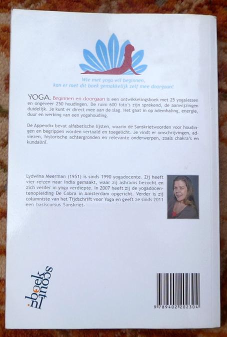 YOGABOEK Yoga Beginnen en doorgaan 25 duidelijke yogalessen Euro 22.95 600 fotos 450 blz Lydwinayoga 17_