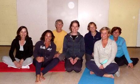 Yoga Amstelveen in wijkcentrum Alleman met Lydwina Meerman groep 2_