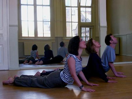Yoga Claverhuis Amsterdam Jordaan_Lydwina Meerman_35 lessen per seizoen september tot en met juni_tussentijds instappen mogelijk_ _